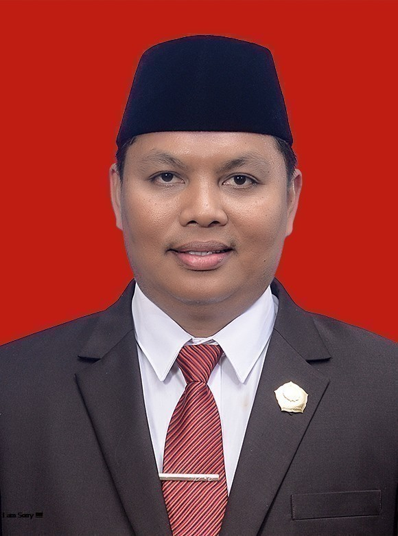 Ismail, S.H.I, M.IP